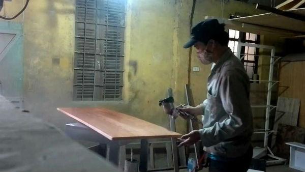 Máy phun sơn cầm tay nhỏ và dễ sử dụng
